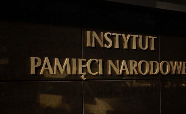 Kolejne dokumenty znalezione w domu wdowy po gen. Czesławie Kiszczaku będą od dziś dostępne w czytelni IPN dla naukowców i dziennikarzy. To ostatnia porcja dokumentów z domu b. szefa MSW.