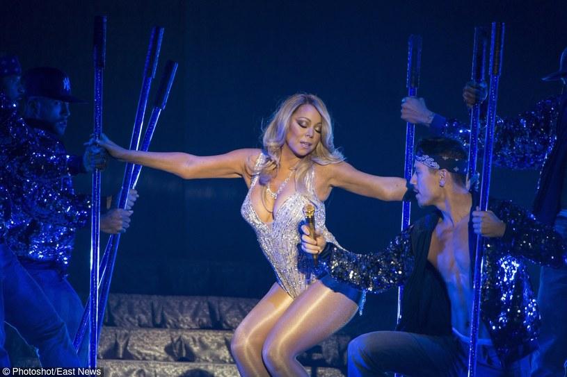 """""""Moje myśli i modlitwy są z ludźmi z Belgii"""" - napisała w mediach społecznościowych Mariah Carey. Amerykańska diva ma w niedzielę (27 marca) wystąpić w Brukseli."""