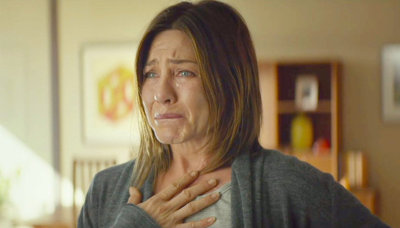 """Niezapomniana Rachel z """"Przyjaciół"""", specjalistka od ról komediowych - podczas 9.PKO Off Camera Jennifer Aniston daje się poznać widzom z innej, dramatycznej strony. Rola w filmie """"Cake"""" przyniosła jej uznanie krytyków i nominacje do licznych nagród. W maju przekonamy się, jak oceni ją festiwalowa publiczność. """"Cake"""" Daniela Barnza to kolejny tytuł prezentowany w ramach sekcji """"Nadrabianie zaległości"""" ."""