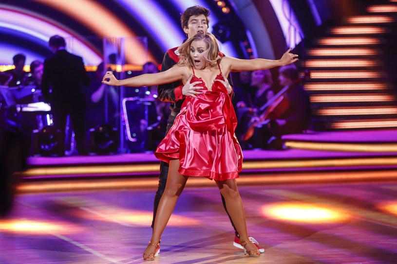 """Biorący obecnie udział w """"Tańcu z Gwiazdami"""" Nikodem Rozbicki, chciałby wykorzystać kiedyś doświadczenie z programu. """"Fajnie byłoby zagrać tancerza, ale takiego klasycznego, osiemnastowiecznego"""" - wyznaje aktor."""
