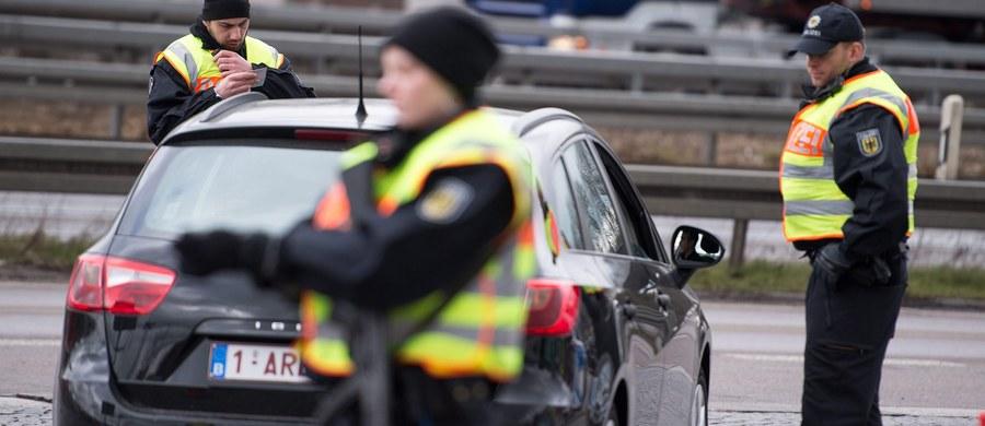 """Niemiecka policja zatrzymała dwie osoby podejrzane o powiązania z zamachowcami samobójcami, którzy w Brukseli zabili 31 osób – podaje niemieckie """"Der Spiegel""""."""