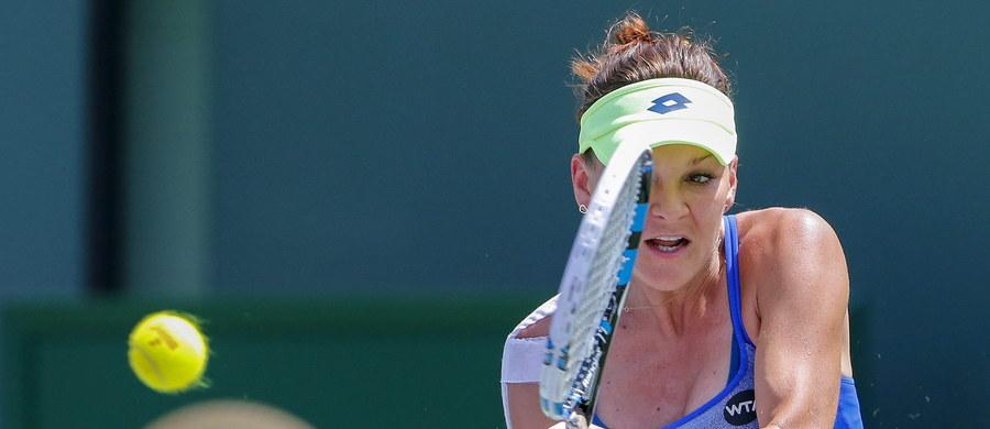 Rozstawiona z numerem trzecim Agnieszka Radwańska pewnie pokonała Amerykankę Madison Brengle 6:3, 6:2 w trzeciej rundzie i awansowała do 1/8 finału tenisowego turnieju WTA rangi Premier na twardych kortach w Miami (pula nagród 6,13 mln dolarów). Z 60. w światowym rankingu 25-letnią Amerykanką Polka zmierzyła się po raz pierwszy.