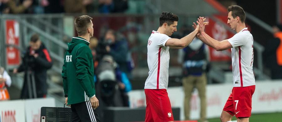 Robert Lewandowski został11. w historii piłkarzem, który rozegrał co najmniej 75 spotkań w reprezentacji Polski. Napastnik Bayernu Monachium po raz 75. narodowy trykot założył w towarzyskim spotkaniu z Finlandią (5:0) we Wrocławiu. Na boisku pojawił się w 63. minucie - zmienił Arkadiusza Milika.