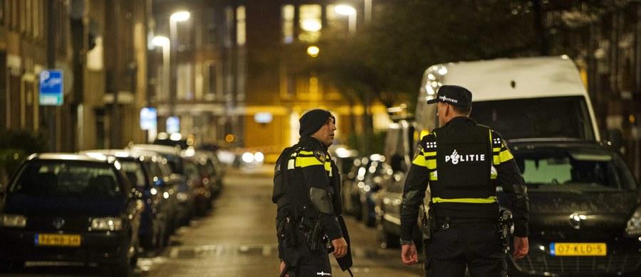 Holenderska policja zaaresztowała w niedzielę w Rotterdamie 32-letniego mężczyznę podejrzanego o szykowanie zamachu we Francji oraz jeszcze trzy inne osoby. Niedoszłego zamachowca czeka ekstradycja, do której powinno dojść możliwie jak najszybciej - podała prokuratura.