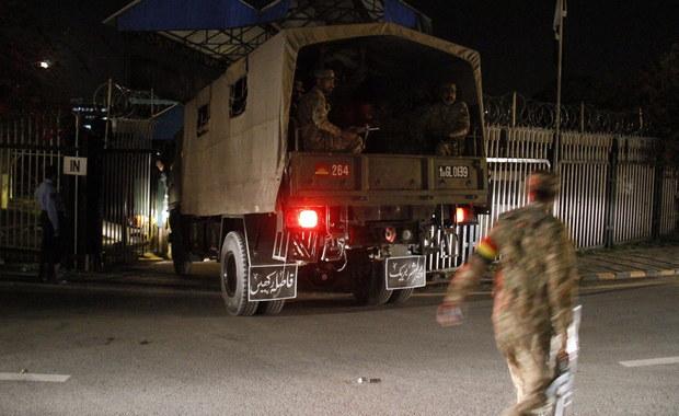 Celem zamachu w Pakistanie, do którego przyznała się frakcja talibów Jamaat-ul-Ahrar, mieli być chrześcijanie. W wybuchu przed parkiem Lahore w Pendżabie zginęło co najmniej 70 osób, a 340 zostało rannych.