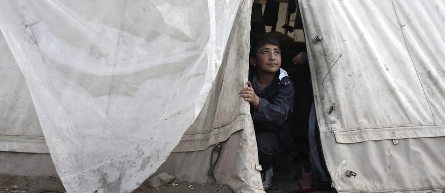 Ponad 1,5 tys. migrantów uratowały od niedzieli włoskie służby na Morzu Śródziemnym. Od wielu dni obserwują one nasilenie napływu uciekinierów z wybrzeży Libii, co wiąże się z zamknięciem lądowych szlaków ich przemarszu na południu Europy.