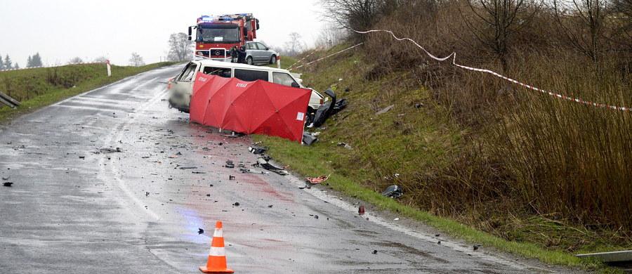 Tragiczne były tegoroczne święta wielkanocne na drogach. W 240 wypadkach zginęło 28 osób zginęło, a 315 zostało rannych. Jak podkreślają policjanci dane wskazują, że było gorzej, niż  ubiegłym roku, kiedy to w 217 wypadkach zginęły 23 osoby.