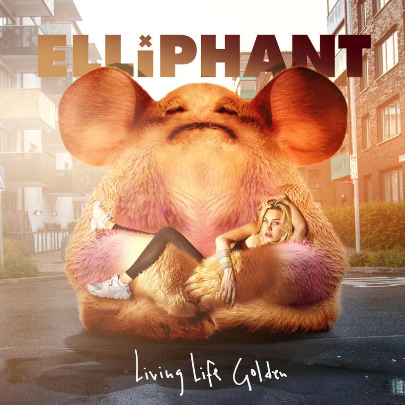 """Elliphant rozgrzała słuchaczy ambitnego elektronicznego popu swoim debiutanckim """"Look Like You Love It"""". Na drugiej płycie w kwestii udanych kooperacji poszła o krok dalej, niemal cały materiał powierzając Azealii Banks, MØ, Major Lazer i oczywiście - samemu Skrillexowi. Ten ostatni zapewnił drugiej płycie Szwedki najmocniejszy punkt - singel """"Spoon Me"""" to producencki majstersztyk, wypełniony elektronicznymi zabawami z wokalem Elli i przewrotnym tekstem. Szkoda, że to przedostatni utwór na płycie, bo gdyby Elliphant odważyła się na powtórzenie zadziornego klimatu z debiutu, tytuł płyty roku miałaby w kieszeni."""