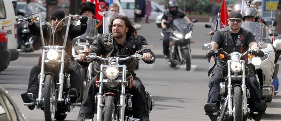 Motocykliści z klubu Nocne Wilki, zaprzyjaźnionego z Władimirem Putinem, chcą po raz drugi ruszyć na Berlin przez Polskę. Wyruszą 29 kwietnia, by przez Białoruś, Polskę, Słowację, Czechy i Austrię dojechać do Niemiec 9 maja, kiedy Rosjanie świętują zwycięstwo nad faszyzmem. W ubiegłym roku polskie służby nie wpuściły rosyjskich nacjonalistów.