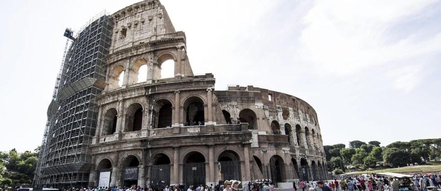 Nadzwyczajne środki bezpieczeństwa w związku z zagrożeniem terrorystycznym wprowadzono we Włoszech w około dwudziestu największych zabytkach, masowo odwiedzanych przez turystów - podały media. Władze nie ujawniają szczegółów i nie podają listy tych obiektów.