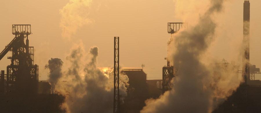Tata Steel, drugi największy europejski producent stali, ogłosił plan sprzedaży hut stali na terenie Walii i Anglii. Oznacza to, że pracę może stracić blisko 20 tys. osób.