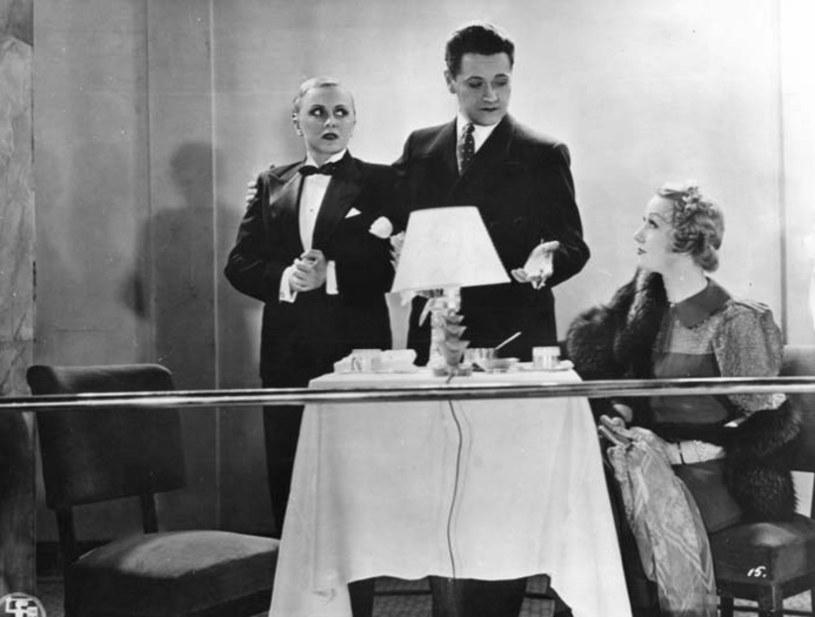 Gwiazdor międzywojennej Polski, Eugeniusz Bodo, najlepiej czuł się przed kamerą i na deskach teatralnych, ale miał też epizod jako restaurator. Tuż przed wojną, w 1939 roku, otworzył w Warszawie kawiarnię pod szyldem Cafe Bodo.