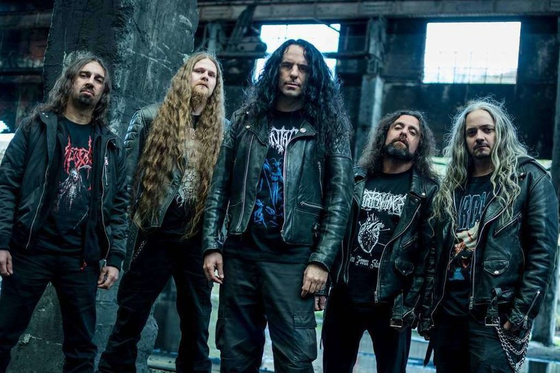 Z okazji 25. urodzin, weterani death metalu z hiszpańskiego Avulsed postanowili przygotować specjalny materiał.