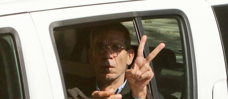 Prokurator Egiptu zwrócił się do władz Cypru o ekstradycję Egipcjanina oskarżonego o porwanie samolotu pasażerskiego linii EgyptAir i zmuszenie załogi do lądowania w Larnace - poinformowała egipska telewizja. Wcześniej cypryjski sąd nakazał zatrzymanie porywacza na 8 dni.