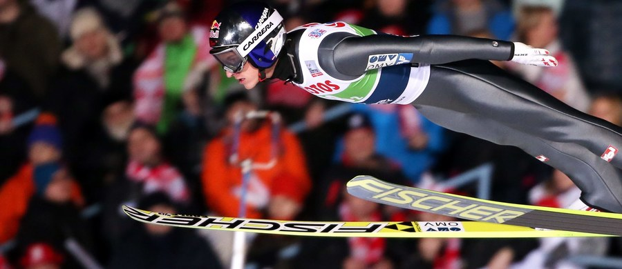 Powodzeniem zakończyła się operacja prawego kolana utytułowanego austriackiego skoczka narciarskiego Gregora Schlierenzauera - poinformowały lokalne media. Zabieg odbył się w prywatnej klinice koło Innsbrucka. Przerwa 26-latka w treningach ma potrwać około ośmiu miesięcy.