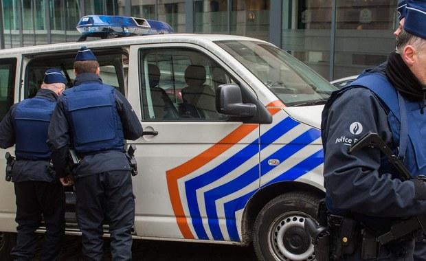 Będzie ekstradycja Salaha Abdeslama do Francji - podała belgijska publiczna telewizja, cytując prokuratorów. Mężczyzna podejrzany jest o koordynowanie zamachów w Paryżu, w których zginęło 130 osób. Według śledczych planował on przeprowadzenie podobnych aktów terroru w Brukseli. Salah Abdeslam został zatrzymany w Belgii dwa tygodnie temu.