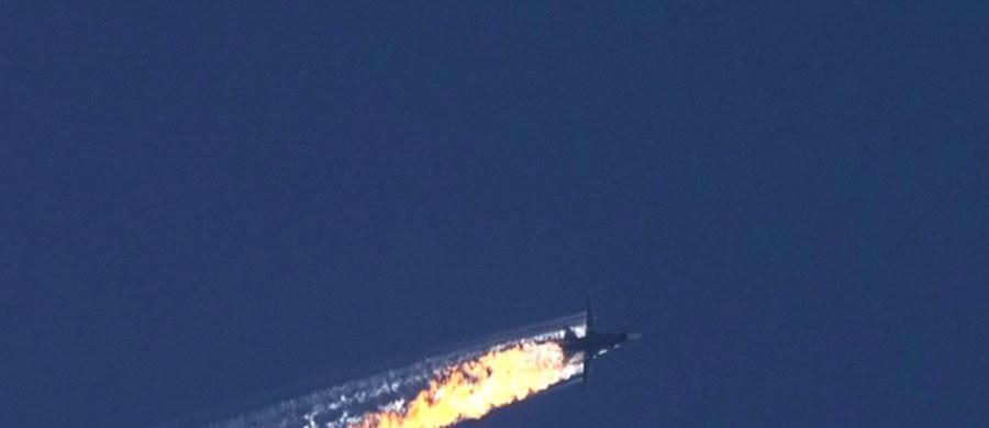 Mężczyzna podejrzany o zabójstwo rosyjskiego pilota, którego bombowiec został zestrzelony w listopadzie ubiegłego roku przez turecki myśliwiec w pobliżu granicy Turcji z Syrią, został zatrzymany w związku z innym zdarzeniem - podała agencja Dogan. Alparslana Celika aresztowano w tym tygodniu wraz z 13 innymi osobami w restauracji w Izmirze, na zachodzie Turcji.