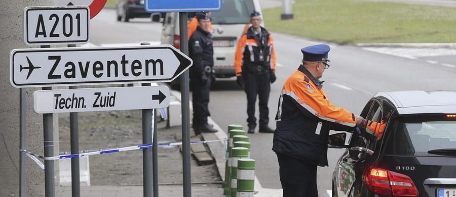"""Międzynarodowe lotnisko w Zaventem pod Brukselą jest już """"technicznie gotowe"""" do częściowego wznowienia lotów pasażerskich. Pozostaje jednak zamknięte z powodu protestu i groźby strajku policjantów, którzy żądają dodatkowych środków bezpieczeństwa."""