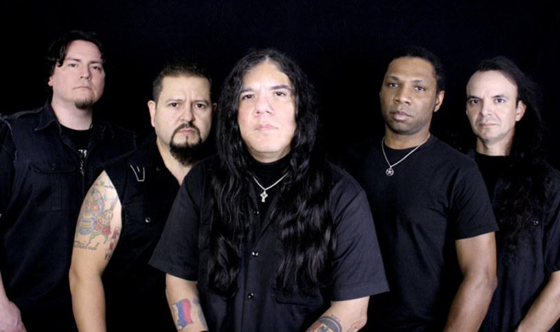 Weterani heavy metalu z teksańskiej grupy Helstar podpisali stosowne dokumenty z EMP Label Group.