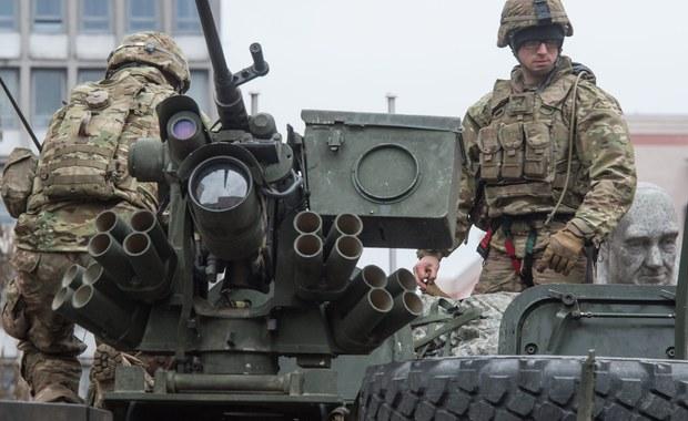 Polska będzie zabiegać przed szczytem NATO w Warszawie o obecność na naszym terytorium nie tylko wojsk USA, ale także innych krajów Sojuszu Północnoatlantyckiego, a także infrastrukturę natowską - powiedział w Waszyngtonie prezydent Andrzej Duda. Prezydent zaznaczył również, że najnowsza deklaracja Stanów Zjednoczonych o skierowaniu do Europy Środkowo-Wschodniej brygady pancernej wojsk amerykańskich jest dla Polski satysfakcjonująca.