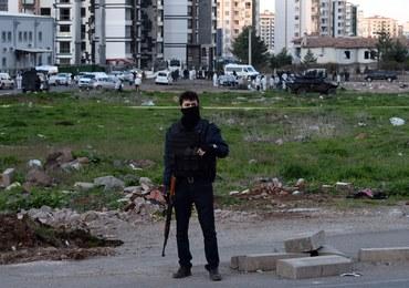 Turcja: Policjant i pięciu żołnierzy zginęło w zamachu