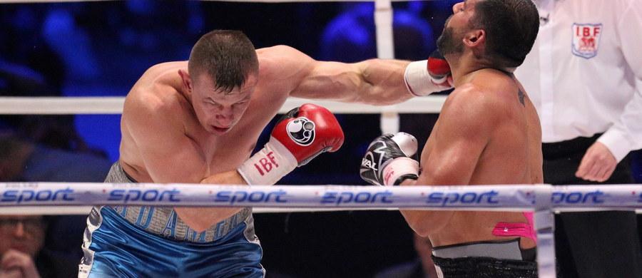 Tomasz Adamek (50-5, 30 KO) przegrał przez nokaut w 10. rundzie z Amerykaninem Erikiem Moliną (25-3, 17 KO). Pojedynek ten był walką wieczoru gali bokserskiej, która odbyła się w Tauron Arenie Kraków. Po zakończonej walce Adamek zapowiedział, że definitywne kończy karierę.