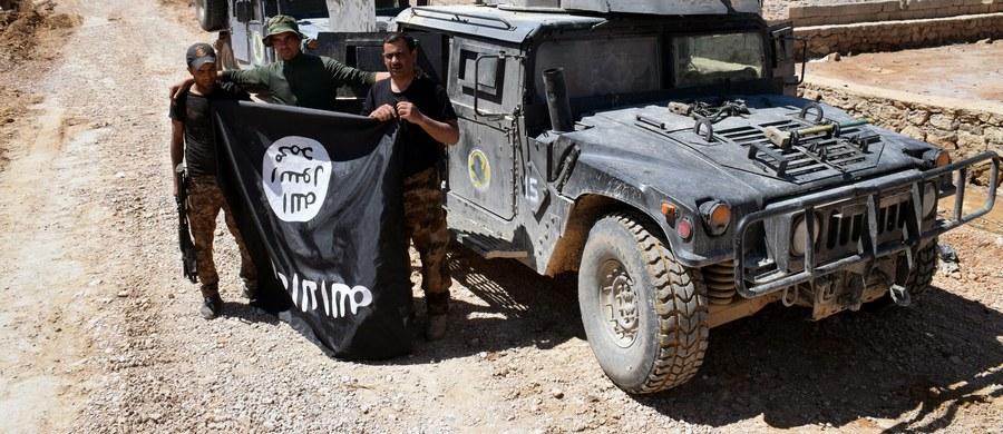 Irackie siły rządowe uwolniły olbrzymią liczbę więźniów, przetrzymywanych przez terrorystów z Państwa Islamskiego. Więzienie to - jak pisze AFP - znajdowało się pod ziemią.