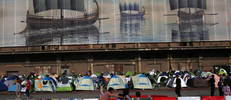 Czeskie władze odeślą z powrotem do Iraku 25 chrześcijan, którzy próbowali przedostać się do Niemiec, mimo że zagwarantowano im schronienie w Czechach – zapowiedział czeski minister spraw wewnętrznych Milan Chovanec.