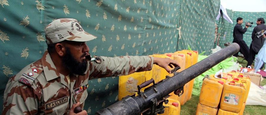 Armia pakistańska w ostatnich sześciu tygodniach odbiła z rąk terrorystów znaczną część Doliny Shawal w graniczącym z Afganistanem północnym Wazyrystanie. W trakcie ofensywy zabito ponad 250 islamskich bojowników. 160 talibów zostało rannych.