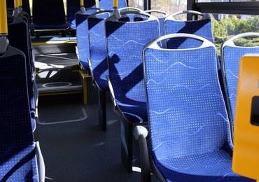 Kraków: Awantura w miejskim autobusie. Jeden z pasażerów został postrzelony