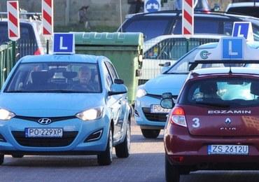 """""""Rzeczpospolita"""": Egzamin na prawo jazdy będzie łatwiejszy? Szykują się zmiany w części praktycznej"""