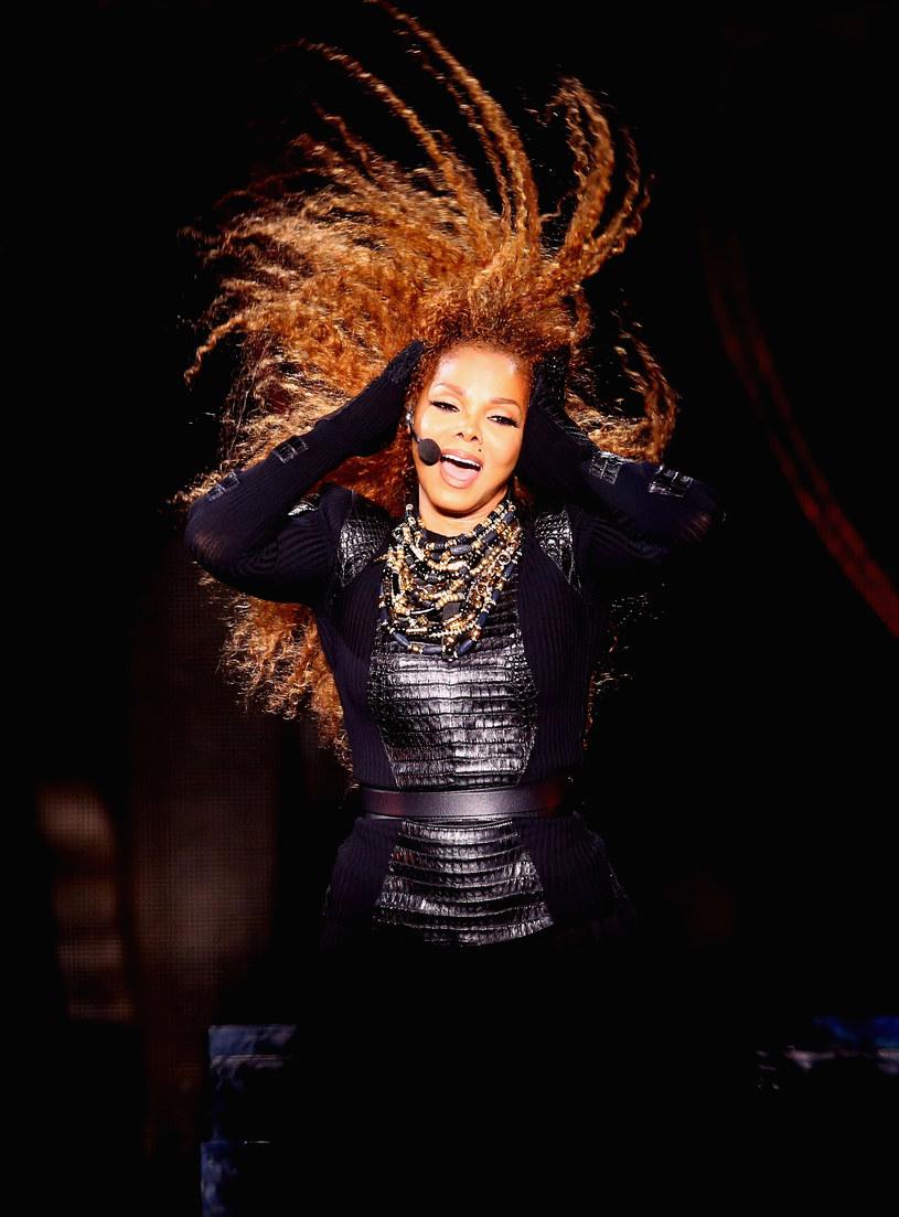 """Fani Janet Jackson nie mają szczęścia - przełożona już raz europejska część trasy została odwołana. Wokalistka oznajmiła, że wraz z mężem """"planuje rodzinę""""."""
