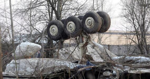 Po 6 latach śledztwo ws. katastrofy smoleńskiej przejęła od zlikwidowanej prokuratury wojskowej Prokuratura Krajowa. Będzie się nim zajmował zespół ośmiu prokuratorów. Jedną z ostatnich czynności prokuratury wojskowej było przedłużenie postępowania do 10 października.