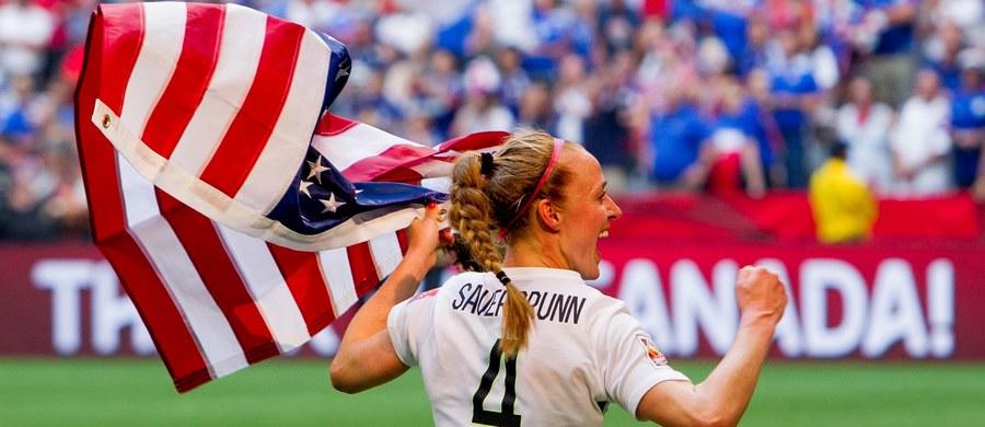 """Amerykańskie piłkarki, aktualne mistrzynie świata, są gotowe do bojkotu igrzysk olimpijskich w Rio de Janeiro, jeśli nie dojdą do porozumienia z macierzystą federacją w sprawie wyższych płac. """"Bojkot jest wciąż aktualny. Rezerwujemy sobie do niego prawo, wszystkie opcje są otwarte"""" - powiedziała Becky Sauerbrunn, która w marcu, razem z czterema koleżankami z drużyny, pozwała federację do sądu."""