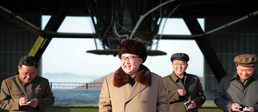 """W naszym kraju pracuje już około 800 poddanych dyktatora Korei Północnej - Kim Dzong Una. Lwią część swoich zarobków oddają reżimowi. Średnio na rękę dostają 310 złotych - informuje """"Gazeta Wyborcza""""."""