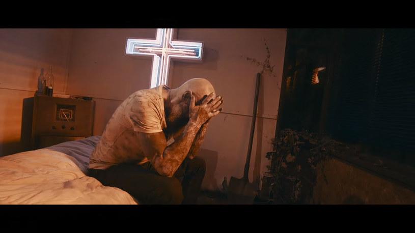 """Rockowa grupa Chemia prezentuje nowy teledysk - """"Gotta Love Me""""."""