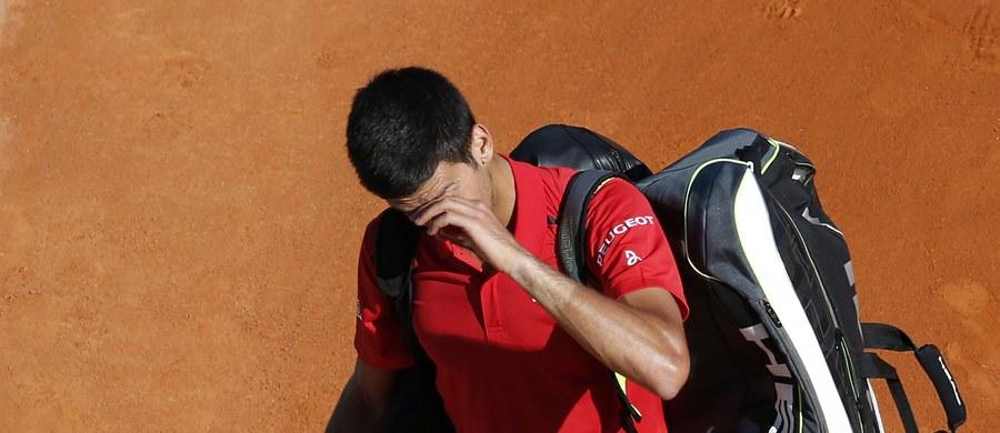 Lider światowego rankingu tenisistów Serb Novak Djokovic niespodziewanie przegrał z 55. w zestawieniu Czechem Jirim Veselym 4:6, 6:2, 4:6 w drugiej rundzie, a swoim pierwszym meczu tenisowego turnieju ATP Masters w Monte Carlo (pula nagród 3,75 mln euro). Obaj zawodnicy zmierzyli się ze sobą po raz pierwszy. Spotkanie trwało nieco ponad dwie godziny. W pierwszej rundzie broniący tytułu Serb miał wolny los, a Vesely wyeliminował Rosjanina Tejmuraza Gabaszwilego.