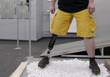"""22-latek testował """"kosmiczną stopę"""", czyli superprotezę z włókna szklanego. """"Trudno wybrzydzać"""""""