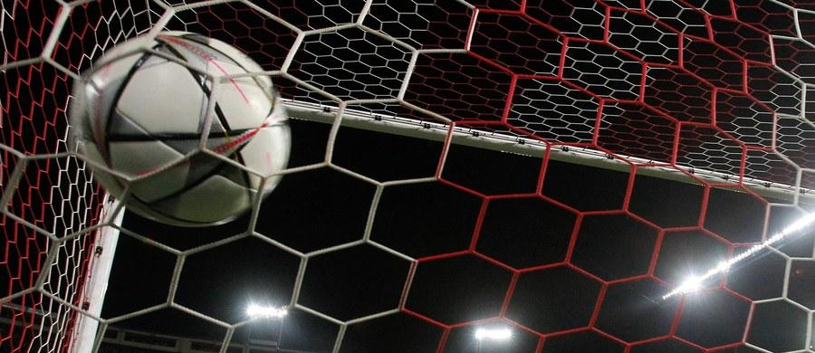 Atletico Madryt zagra z Bayernem Monachium, a Manchester City z Realem Madryt w półfinałach piłkarskiej Ligi Mistrzów. Losowanie par odbyło się w szwajcarskim Nyonie. Pierwsze mecze odbędą się 26 i 27 kwietnia.