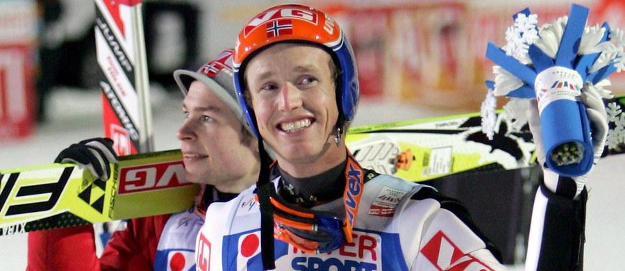 Norweg Roar Ljoekelsoey - czterokrotny mistrz świata w lotach narciarskich został zatrudniony przez niemiecką federację narciarską w sztabie trenerskim reprezentacji. Jego zadaniem będzie poprawienie długości skoków niemieckich skoczków na obiektach mamucich.
