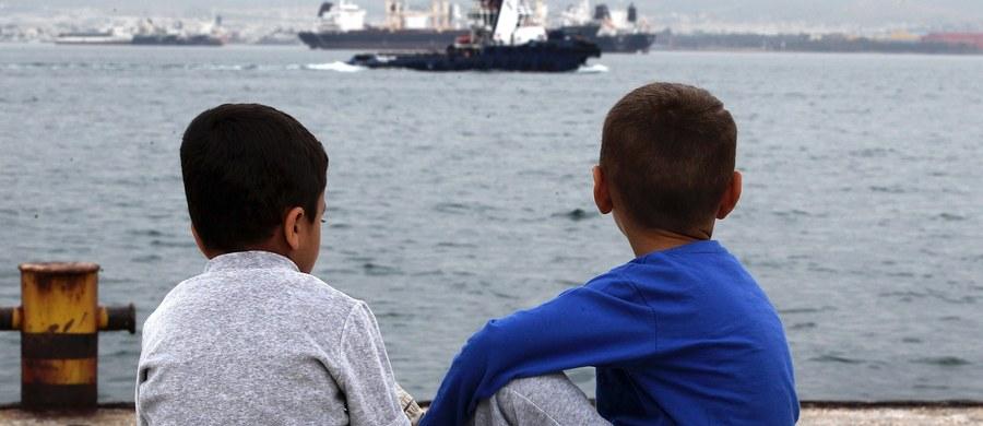 """Były kanclerz Niemiec Helmut Kohl skrytykował na łamach dziennika """"Tagesspiegel"""" politykę migracyjną rządu Angeli Merkel i ostrzegł, że Europa nie może stać się ojczyzną dla milionów uchodźców z całego świata. W poniedziałek Kohl spotka się z Viktorem Orbanem."""