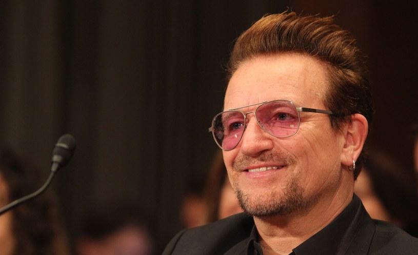"""Sporo emocji wywołały słowa Bono przemawiającego przed połączonymi Izbami Senatu i Izby Reprezentantów w amerykańskim Kongresie. Dostało się Polsce i Węgrom za """"hipernacjonalizm""""."""