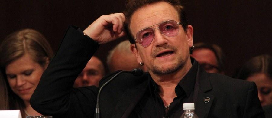 """""""Panie Bono, hiperinternacjonalisto! Niemcy mają dla pana ok. 73 tysiące muzułmanów. Nie wiedzą gdzie i komu ich upchnąć. Są dla pana, do zabrania od razu, z dostawą do domu, na rancho lub do apartamentu"""" - w ten sposób Krystyna Pawłowicz, posłanka Prawa i Sprawiedliwości, odpowiedziała na słowa muzyka Bono z grupy U2. Przemawiając w Kongresie USA artysta wymienił Polskę wśród krajów, które coraz mocniej odwracają się w kierunku skrajnie prawicowych poglądów."""