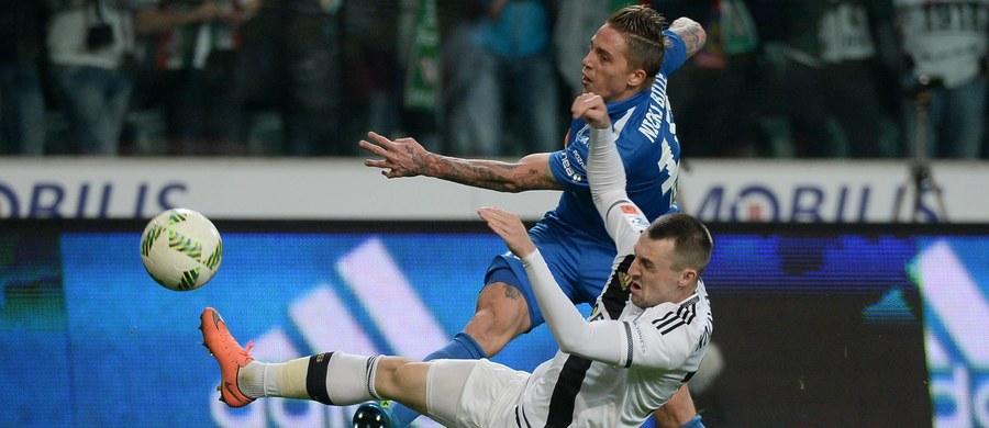 Piłkarska Ekstraklasa przyspiesza na finiszu rozgrywek. Do połowy maja wszystkie kluby rozegrają jeszcze po sześć spotkań, a Legia i Lech, które powalczą w finale Pucharu Polski - po siedem. Dziś w 32. kolejce rozgrywek o punkty powalczą kluby z grupy mistrzowskiej.