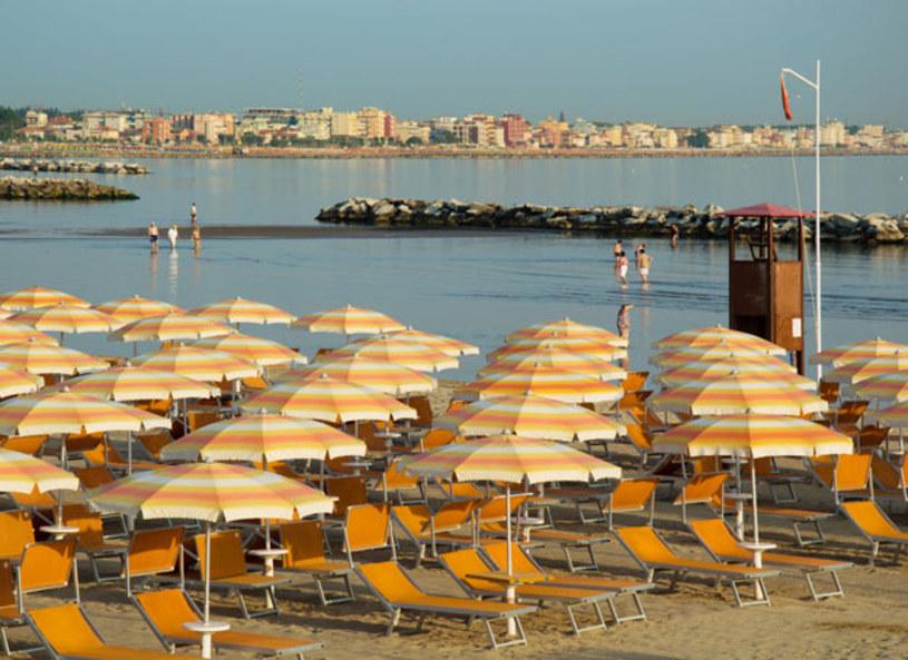 Rimini, Budapeszt, Ateny i Kraków to miasta, w których najbardziej opłaca się inwestować w mieszkania na wynajem dla turystów – wynika z raportu przeprowadzonego przez porównywarkę HomeToGo.pl. Poziom cen zależy jednak również od sezonu – w ciepłych europejskich krajach wynajem apartamentu latem, zwłaszcza w popularnych kurortach, może być dwukrotnie droższy niż wiosną.