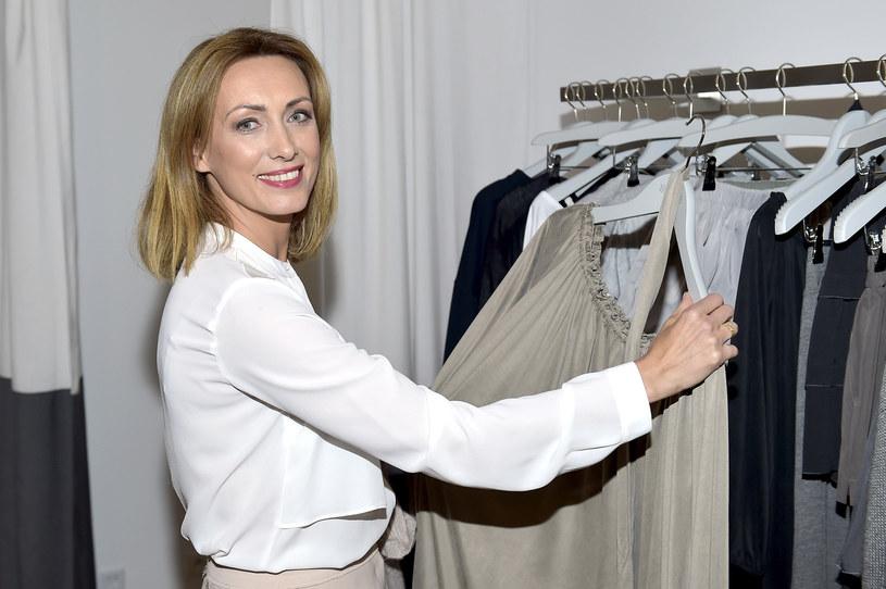 W kwestii kształtowania wizerunku Anna Kalczyńska zdaje się na pomoc stylistki. Twierdzi, że sama nie ma czasu ani ochoty na odzieżowe zakupy przed oficjalnymi imprezami. Zapewnia też, że w przeciwieństwie do wielu innych gwiazd show-biznesu nie jest fanatyczną miłośniczką butów.
