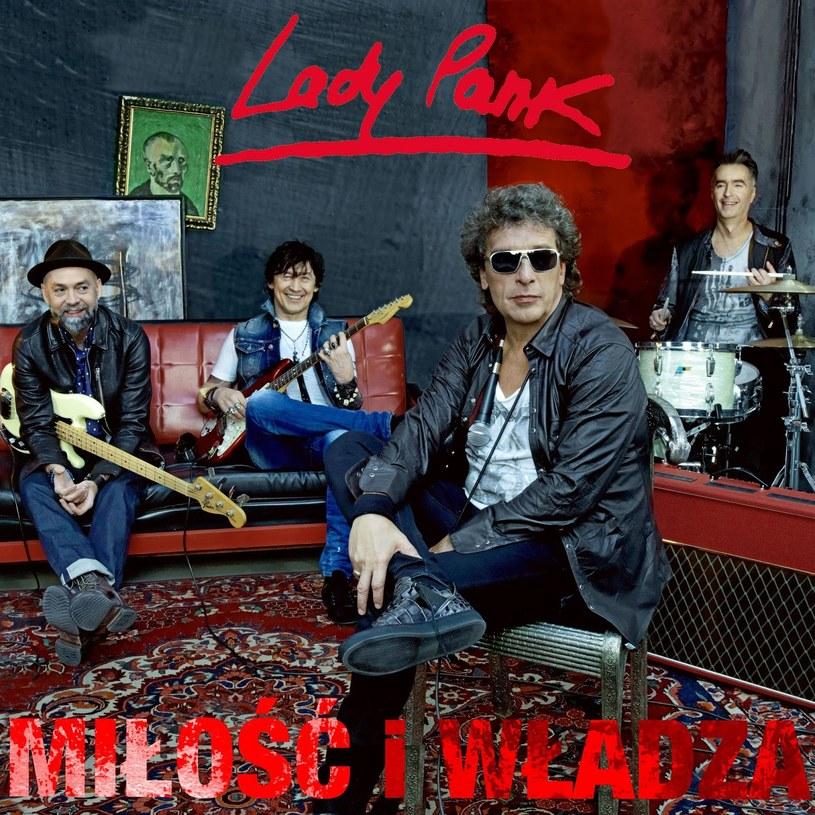"""Zespół Lady Pank zasłużył na miano legendy - płyty z lat osiemdziesiątych dość dobrze bronią się do dziś i to nie wyłącznie z pobudek sentymentalnych. W najnowszym albumie grupy, """"Miłości i władzy"""", trudno jednak dopatrzeć się czegoś więcej niż odcinania kuponów."""