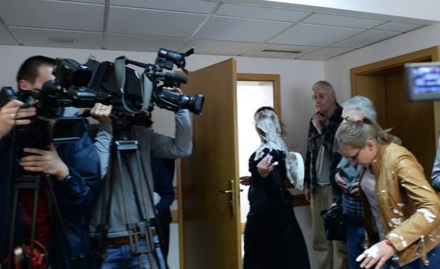 Z dwóch do 10 miesięcy więzienia podwyższył warszawski sąd okręgowy karę dla Zygmunta M., który w 2013 r. rzucił tortem w sędzię zajmującą się sprawą Czesława Kiszczaka. Wyrok jest prawomocny.