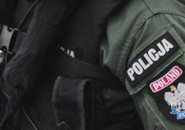 CBŚP zatrzymało cztery osoby podejrzane o wyłudzenia haraczu od biznesmena z Olsztyna
