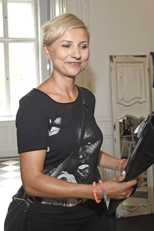 Novika, dwukrotna laureatka Fryderyka, nazywana królową polskiego clubbingu, dołączyła do tajemniczego projektu Piotra Bejnara.